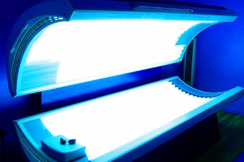 Tanning booth